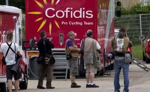 Au lendemain de la journée de repos, au cours de laquelle le Français Rémy Di Grégorio (Cofidis), a été arrêté et placé en garde à vue à Bourg-en-Bresse dans une affaire présumée de dopage, puis transféré dans la journée à Marseille, le Tour découvre mercredi le Grand Colombier, le premier col hors catégorie de l'édition 2012 du Tour de France, dans la 10e étape longue de 194,5 kilomètres entre Mâcon et Bellegarde-sur-Valserine.