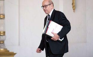 Le ministre de la Défense Jean-Yves Le Drian