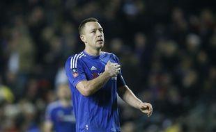 John Terry salue les supporters de Chelsea après le match contre Milton Keynes Dons (victoire 5-1) en FA Cup, le 31 janvier 2016.