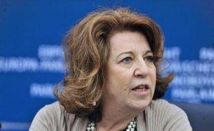 """La député européenne Corinne Lepage s'est dit """"assez sceptique sur la possibilité juridique, technique et financière"""" de fermer la centrale nucléaire alsacienne de Fessenheim d'ici fin 2016, comme s'y est de nouveau engagé François Hollande vendredi à la conférence environnementale."""
