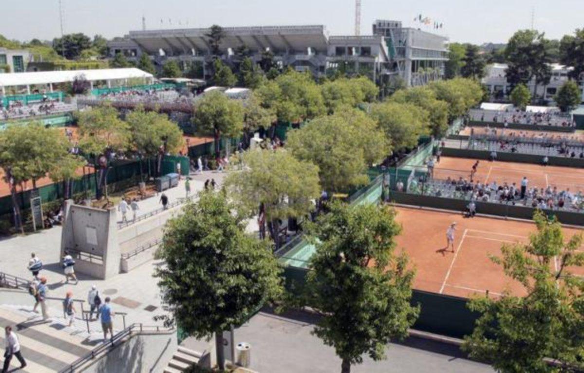 Le Conseil de Paris a approuvé mardi la révision du plan local d'urbanisme (PLU) nécessitée par le projet d'extension du stade de tennis de Roland-Garros, après l'avis globalement positif de la commission d'enquête rendu fin juin. – Jacques Demarthon afp.com