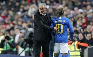 Le sélectionneur brésilien a défendu la gestion du PSG concernant Neymar.