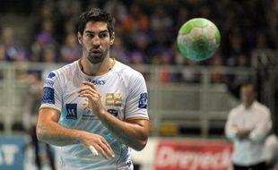 Montpellier est revenu à un point de Chambéry, deuxième de la D1 de handball derrière le PSG, en allant arracher un succès convaincant 33 à 29 jeudi à Nantes lors du choc de la dixième journée.