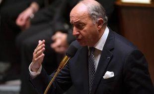 """Le ministre français des Affaires étrangères, Laurent Fabius, a annoncé lundi avoir """"convoqué immédiatement"""" l'ambassadeur des Etats-Unis à Paris après des informations selon lesquelles l'Agence de sécurité américaine (NSA) a intercepté massivement des communications en France."""