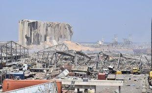 Le port de Beyrouth au lendemain de l'explosion, le 5 août 2020.