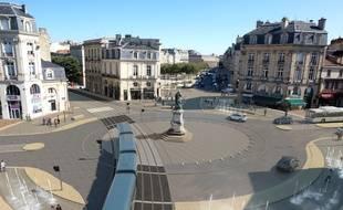 La place Tourny réaménagée sera livrée en septembre 2019.