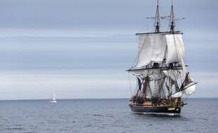 EXLUSIVE-The French navy's anti-submarine frigate Latouche-Treville, sails out into the port of Brest to welcome the frigate Hermione and its 80-member crew. The three-mast Hermione, an exact replica of the original, is returning from its voyage to the United States to commemorate the Marquis de Lafayette's crossing of the Atlantic to fight in the American Revolution. In 1781, Lafayette sailed to Boston aboard the Hermione, captained by Commandant Louis-Rene-Madeleine Le Vassor de Latouche-Treville.  The Latouche-Treville frigate is named after the renowned count who, enjoying the confidence of King Louis XVI , was entrusted with the command of the Hermione from 1779 to 1782. /APERCU_1300.24/Credit:Alain ROBERT/Apercu/SIPA/1508101311