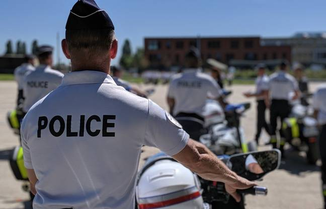 Les motards de la police nationale défilent sur les Champs-Elysées depuis 10 ans