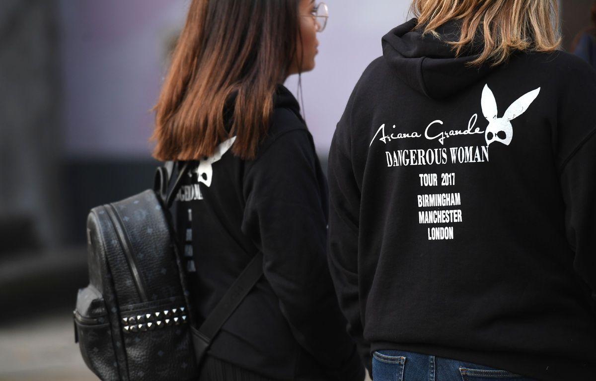 Des fans d'Ariana Grande à Manchester, le 23 mai 2017. – Paul ELLIS / AFP