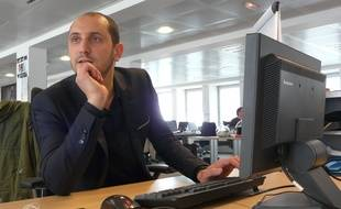 """Karim Rissouli, co-auteur du livre """"L'homme qui ne devait pas être prŽésident""""  en chat chez 20 Minutes, le 11 mai 2012."""