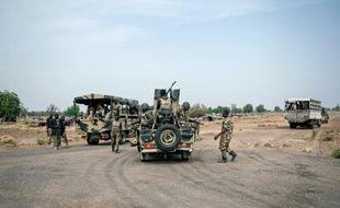 Des soldats de l'armée nigériane, à Damboa, dans l'état du Borno, dans le nord-est du Nigeria, le 25 mars 2016