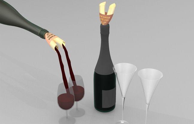 Le double bec verseur, pour servir deux verres en même temps.