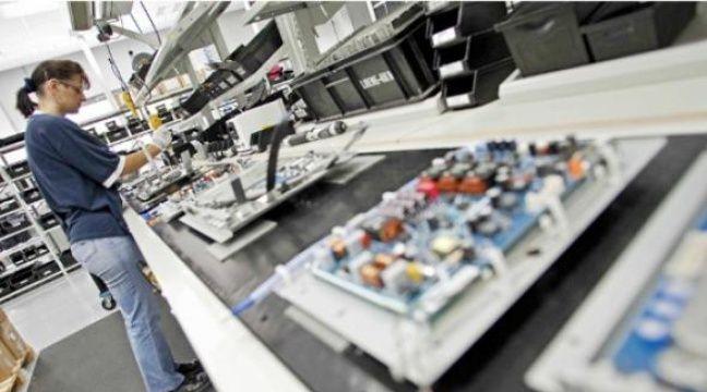 Les stocks de télévisions pourraient pâtir des problèmes de production au Japon en raison du séisme. –  B. CLASSEN / SIPA