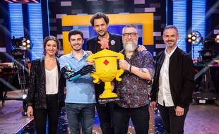 Les gagnants de la première saison de « Lego Masters » avec Eric Antoine et les brickmasters