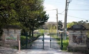 L'entrée du centre thérapeutique où a été découvert le corps d'une fillette de 12 ans, morte par asphyxie, le 5 avril 2014