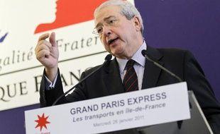 Le président de la région Ile-de-France Jean-Paul Huchon s'exprime le  26 janvier 2011 à Paris, lors d'une conférence de presse de présentation  du projet Grand Paris Express.