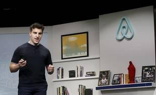 Brian Chesky, actuel PDG et fondateur du site d'hébergement Airbnb, le 19 avril 2016 à San Francisco.Jeff Chiu/AP/SIPA