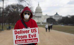Un militant contre l'avortement, lors d'une marche à Washington le 29 janvier 2021.
