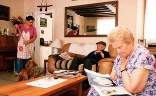 Aide à domicile chez des personnes âgées.