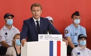 Emmanuel Macron veut créé une délégation parlementaire pour le contrôle des forces de l'ordre
