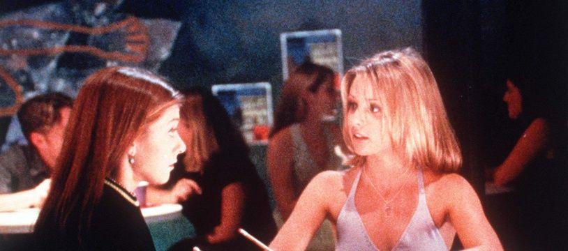 Buffy contre les vampires a révélé Sarah Michelle Gellar et permis à Mari Noxon de faire ses armes de showrunneuse