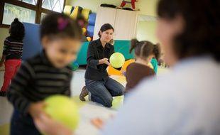 Illustration d'une classe accueillant des enfants de moins de trois ans...