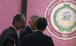 L'opposition au régime de Bachar al-Assad a obtenu mardi le siège de la Syrie au sommet arabe de Doha, où elle a défendu son autonomie face aux ingérences extérieures et demandé l'extension du bouclier anti-missiles de l'OTAN en Turquie au nord syrien.