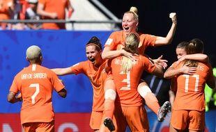 La joie des Néerlandaises qualifiées pour les demi-finales du Mondial