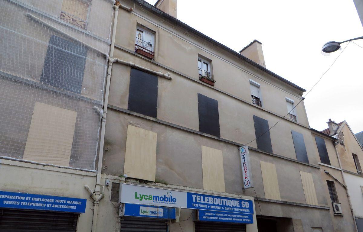 Deux mois après l'assaut de Saint-Denis, les habitants du 48, rue de la République attendent toujours des solutions de relogement. – Hélène Sergent / 20 Minutes