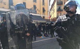 Geneviève Legay, 73 ans, a chuté dans la charge des policiers, samedi lors d'un rassemblement interdit à Nice.
