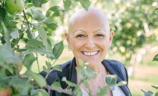 Sans cheveux depuis 17 ans, Johane a décidé de consacrer son énergie à s'accepter telle qu'elle était et privilégier son bonheur plutôt que de continuer à tenter des traitements de repousse qui ne fonctionnaient pas.