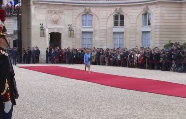 Capture écran BFMTV Brigitte Macron à l'Elysée le 14 mai 2017
