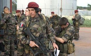 Le 6ème bataillon d'infanterie de la Marine et le 8ème régiment de parachutistes d'infanterie de la Marine arrivent à Bangui, le 23 mars 2013.