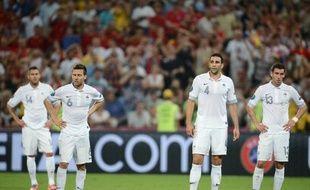 Largement dominée de bout en bout, l'équipe de France n'est pas parvenue à créer l'exploit face aux champions du monde et d'Europe espagnols, vainqueurs 2-0 grâce à un doublé de Xabi Alonso samedi à Donetsk, et quitte l'Euro-2012 au stade des quarts de finale.
