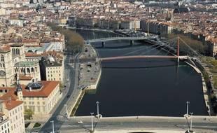 Lyon drone a filmé la ville désertée.
