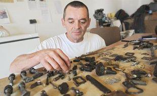 Les pièces de l'avion ont été retrouvées lundi par Jérôme Batard, agriculteur.