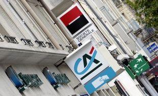 Les trois groupes bancaires français appelés par le régulateur européen à renforcer leurs fonds propres à hauteur de 8,8 milliards d'euros ont annoncé jeudi qu'ils le feraient par leurs propres moyens.