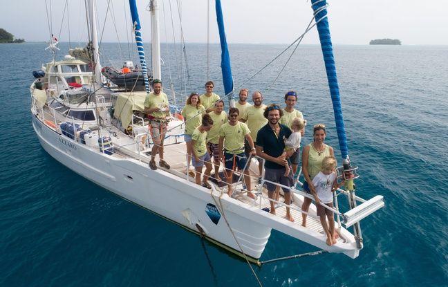 L'équipe 'des expéditions Under the pole, mission scientifique emmené par le couple de plongeurs, Ghislain Bardout et Emmanuelle Périé-Bardout, sur leur goélette Why.
