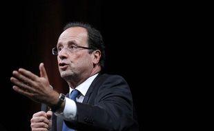 François Hollande, candidat PS à l'Elysée, lors d'un débat à Nantes le 19 janvier 2012.