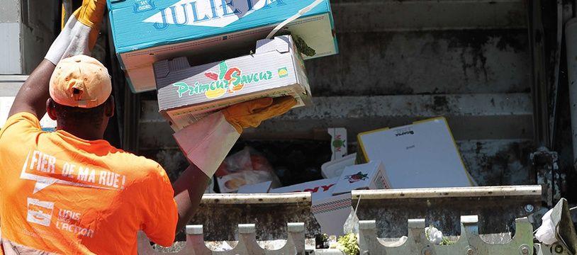 Illustration d'un camion poubelle.