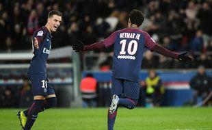 Neymar inscrit un doublé contre Dijon