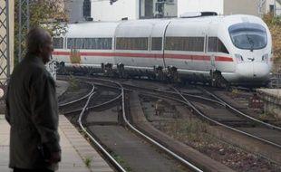 Un train de la Deutsche Bahn arrive dans une gare de Berlin, le 5 novembre 2014