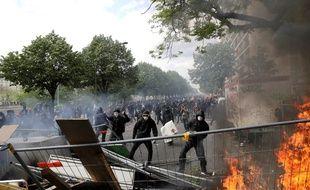 La manifestation du 1er-Mai a dégénéré à Paris.