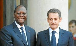 C'est la première visite officielle d'Alassane Ouattara en France.