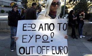 Sortir de la zone euro peut sembler une solution pour Chypre, contrainte à des réformes draconiennes pour éviter la faillite, mais, préviennent les analystes, il s'agirait d'un choix à haut risque pour une économie insulaire très dépendante des importations.