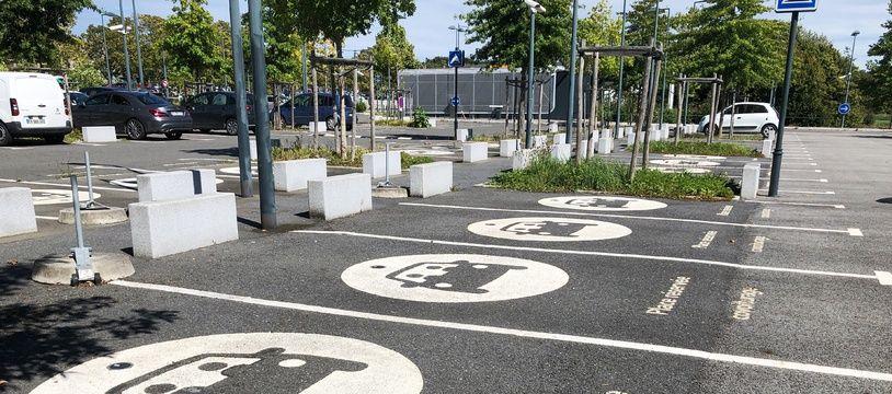 Le parking relais des Préales, à Rennes, où un dispositif incitant au covoiturage est en test.