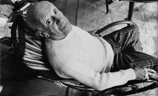 Pablo Picasso à Mougins en France, le 4 mai 1971.
