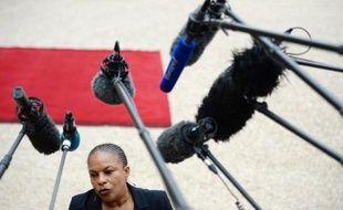 """Christiane Taubira """"n'a jamais souhaité s'inscrire"""" dans le débat sur les demandes de """"compensation financière"""" de l'esclavage, réitérées par le Cran cette semaine, mais prône en revanche une """"politique foncière"""" pour les descendants d'esclaves en outremer."""