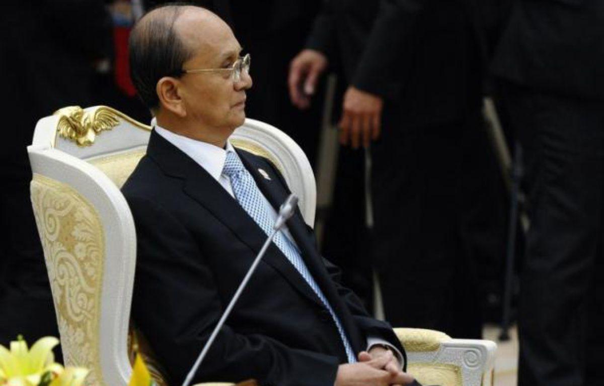 La Birmanie a signé une série d'accords d'exploration de pétrole et de gaz avec des groupes étrangers, a indiqué mercredi un journal gouvernemental, alors que le pays tente de s'ouvrir sur l'extérieur et de réformer son appareil productif. – Hoang Dinh Nam afp.com