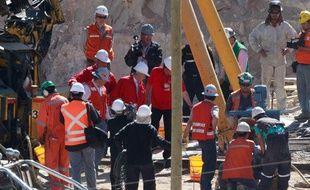Les secouristes chiliens, sur la mine de San Jose, près de Copiapo, le 12 octobre 2010